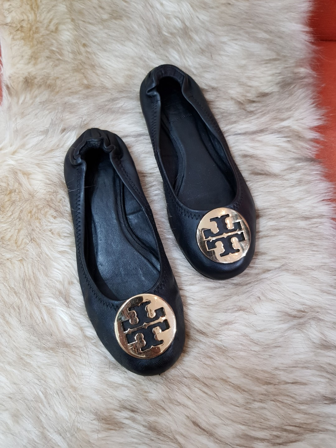 3072e77c98a Authentic Tory Burch Reva In Black Gold Ballet Flats Size 6