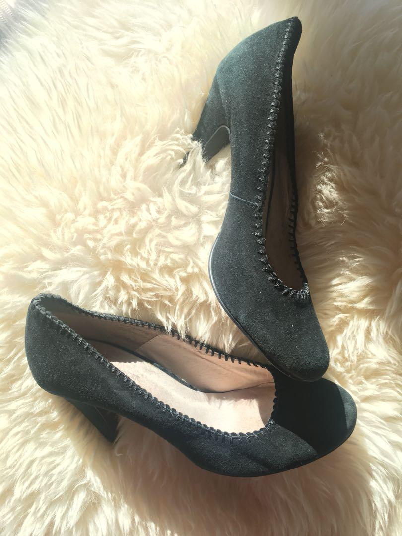 Ladies JOANNE MERCER leather suede pumps