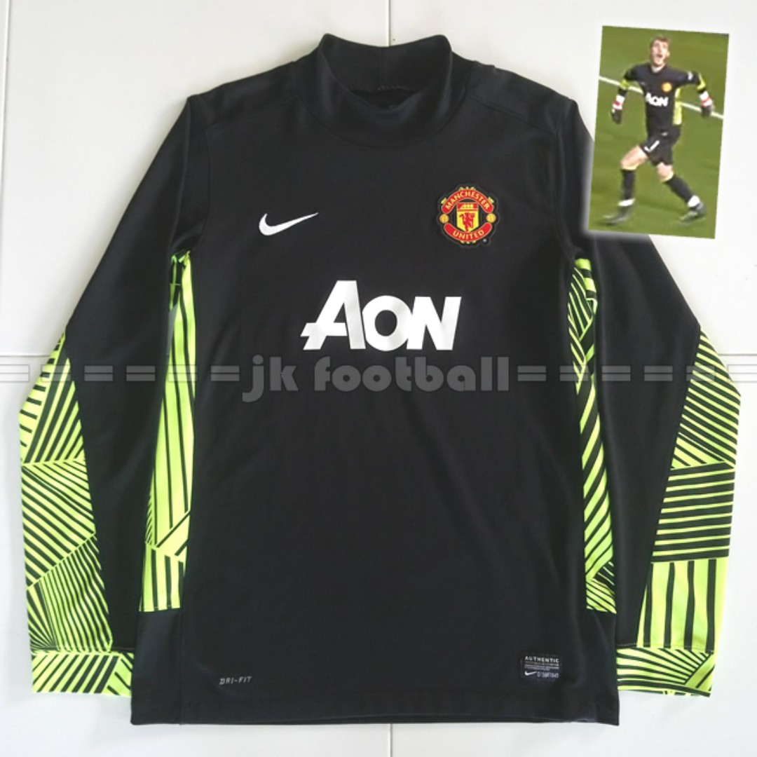 81ba5c74453 Manchester United Black Goalkeeper Jersey, Sports, Sports Apparel on ...