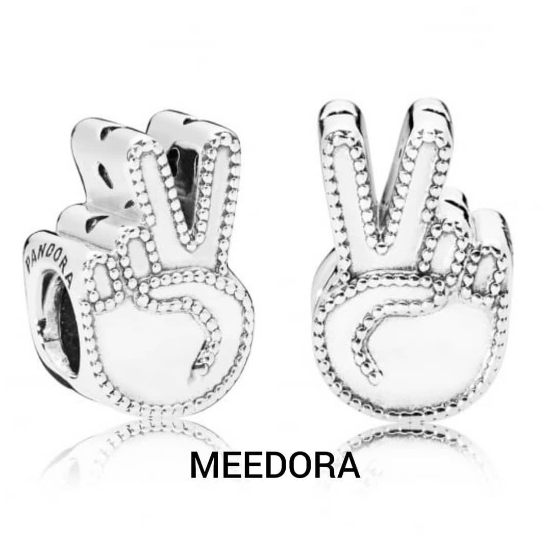 Symbol Of Peace Charm Pandora Barangan Mewah Aksesori Di Carousell