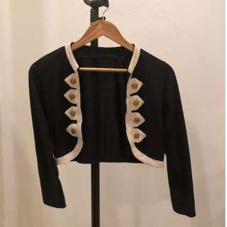 Bolero with button details