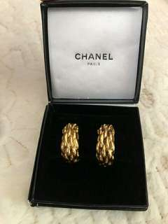 Chanel Ear clip vintage