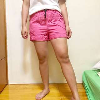 桃紅鬆緊短褲