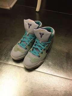 🚚 Kobe9簽名籃球鞋