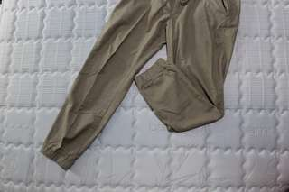 Celana cinos krem uniqlo super murah