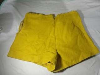 Mustard short