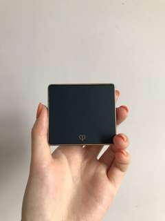 Cle de peau eye shadow