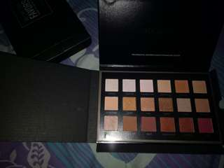 Freeong!!!! Eyeshadow focallure favore 02. Neutral