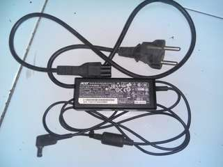 Adaptor Acer 19V-2.7A original