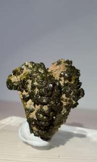 Green Epidote Crystal from Morocco 绿帘石(摩洛哥)