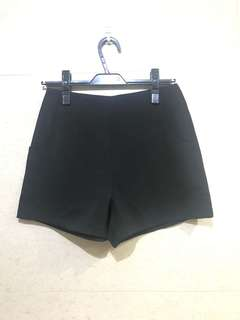 🚚 黑色厚雪紡短褲
