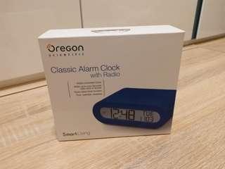 (大特價)簡約鬧鐘收音機 Classic Alarm clock