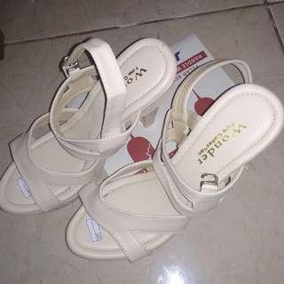 sandal dan sepatu wanita HOT SALE size 37