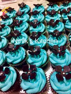 Black and Blue Themed Cupcakes