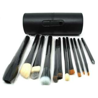 12 pcs brush set with case/pouch (black/hitam)