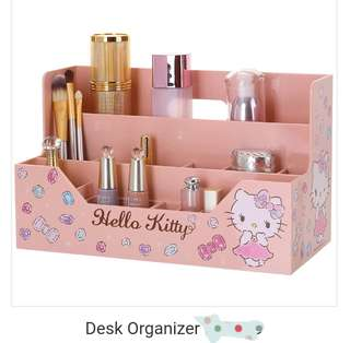 NEW :-) Hello kitty dest organizer