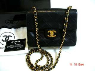 Vintage Chanel黑色羊皮金扣mini flap bag 18x13.5x6cm