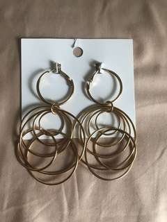 H&M gold circle earrings