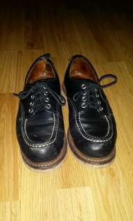 Authentic Red Wing moctoe low cut