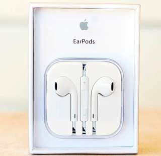 "Apple earpods with box and manual sealed with warranty ""Order now"""