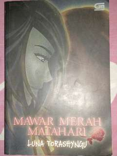 Novel Mawar Merah Matahari