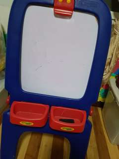Easel (white and black board)