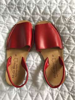 NEW Spanish Leather Sandals 37