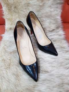 Authentic Christian Louboutin Pigalle Follies Black Patent Leather Pumps Size 37.5 also fits to size 37