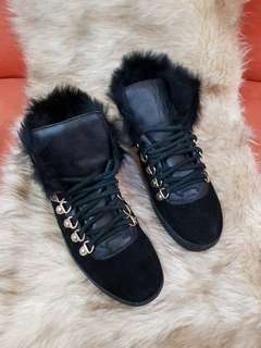 Authentic Gucci Softy Tek Suede Fur Linned Black Ladies Sneakers  Size 37