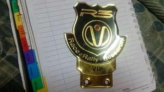 R3  emblem