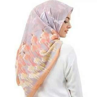 Riamiranda scarf