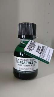 Tea tree oil the body shop baru