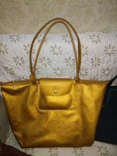 Longchamp metal gold