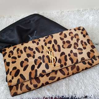 CLEARANCE SALE: Authentic YSL Clutch Wallet @Php2,980 + LOCAL SF