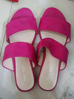 Nine west authentic suede fuschia pink slides