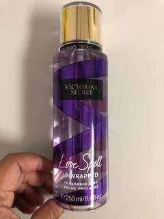 📌SUPERSALE📌 Victoria's Secret Mist - Love Spell