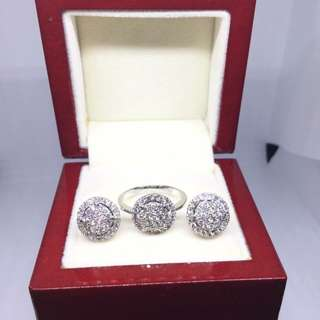 14K White Gold Diamond Set
