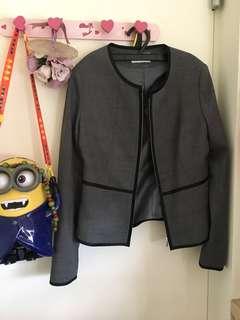 🚚 國泰世華銀行外套(不確定現在是不是同一套)