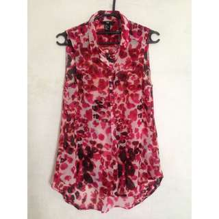 H&M Red Pattern Sleeveless Top Size 4
