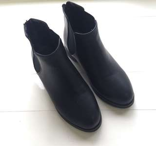 🚚 Boga shop 顯瘦黑靴