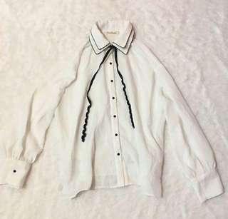 white longsleeves korean top