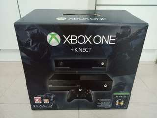 Full Set Xbox One With Kinect + Halo + Dance Central + Fruit Ninja with Box