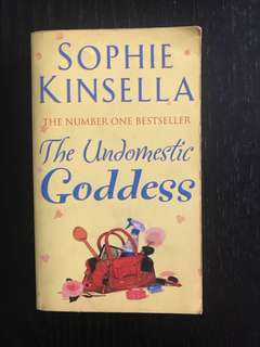 🚚 The Undomestic Goddess by Sophie Kinsella