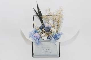 🚚 Preserved real flower bouquet in glass box Best for birthday/wedding decor/anniversary gift #caroupay