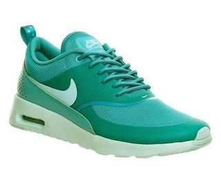 Authentic Nike air max Thea (size in photos)
