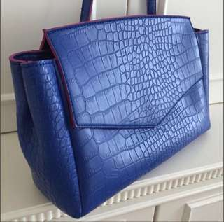 手袋 (藍色粉紅邊仿鱷魚皮有帶)