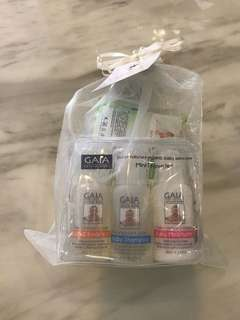 GAIA natural baby traveller pack