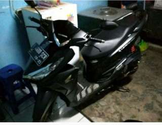 Di Jual Motor Honda vario 150 th 2017 /Over Kredit