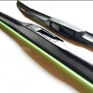 "High Quality Silicon Wiper 1 pc (28"")"