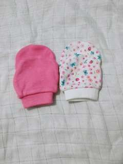 Mothercare Scratch Mittens